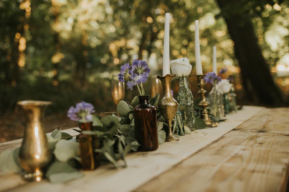 Brass vessels / candle sticks £1.50