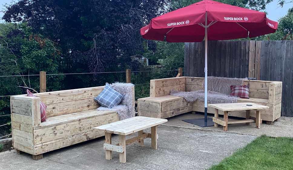 Reclaimed outdoor sofa for the Sun At Felmersham pub garden.