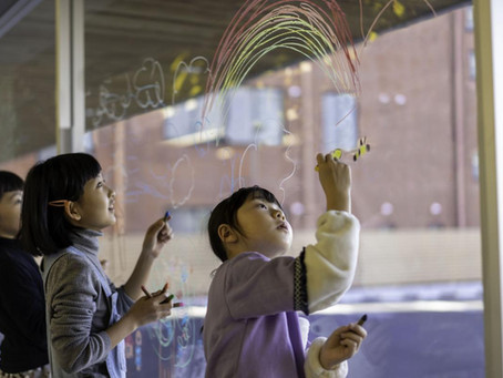 ハイノート前橋店の窓ガラスに絵を描こう
