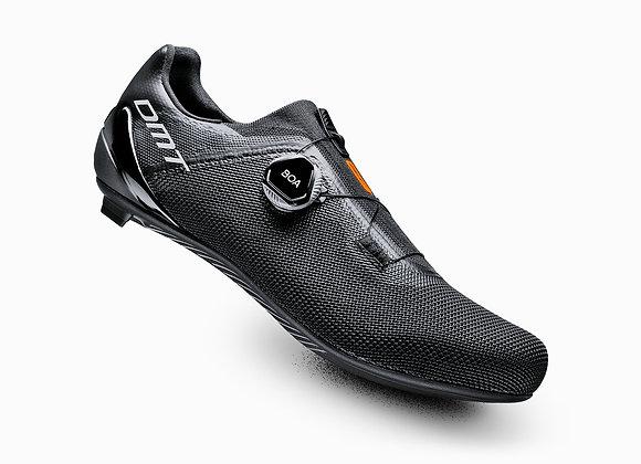 DMT KR4 Road Shoe | Size 42 | Black