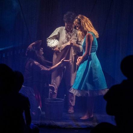 Fort Bien Très Loin, comédie musicale familiale / Cie Un Tournesol sur Jupiter / Anna Ramade, Sonia Kiang, Olivier Maraval