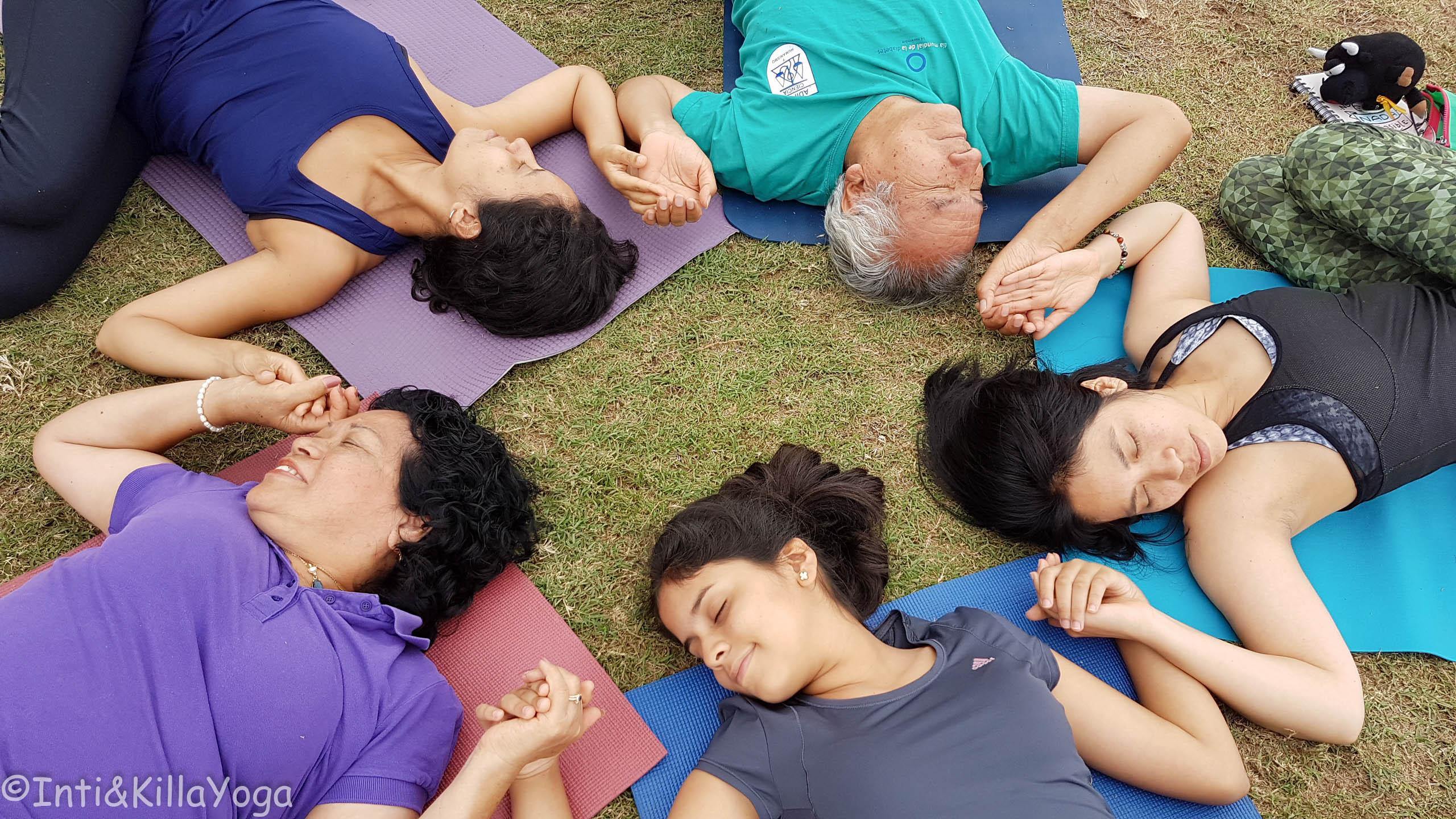 Yoga en familia (mi familia - Lima)