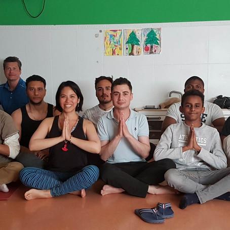 Yoga es para todos! (clases refugiados Madrid)