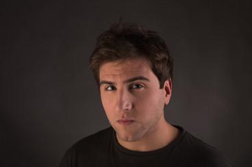 Alvar Gordejuela se encuentra grabando la nueva temporada de la serie 'Puente Viejo'