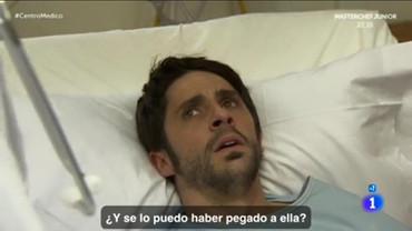 Luis Hernández, como Riqui Arrobas, en la serie 'Centro Médico' de TVE