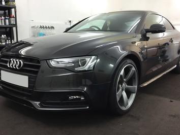 Audi A5 Black edition - New Car Detail