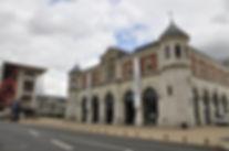 Halle_aux_grains_et_bibliotheque_de_bloi