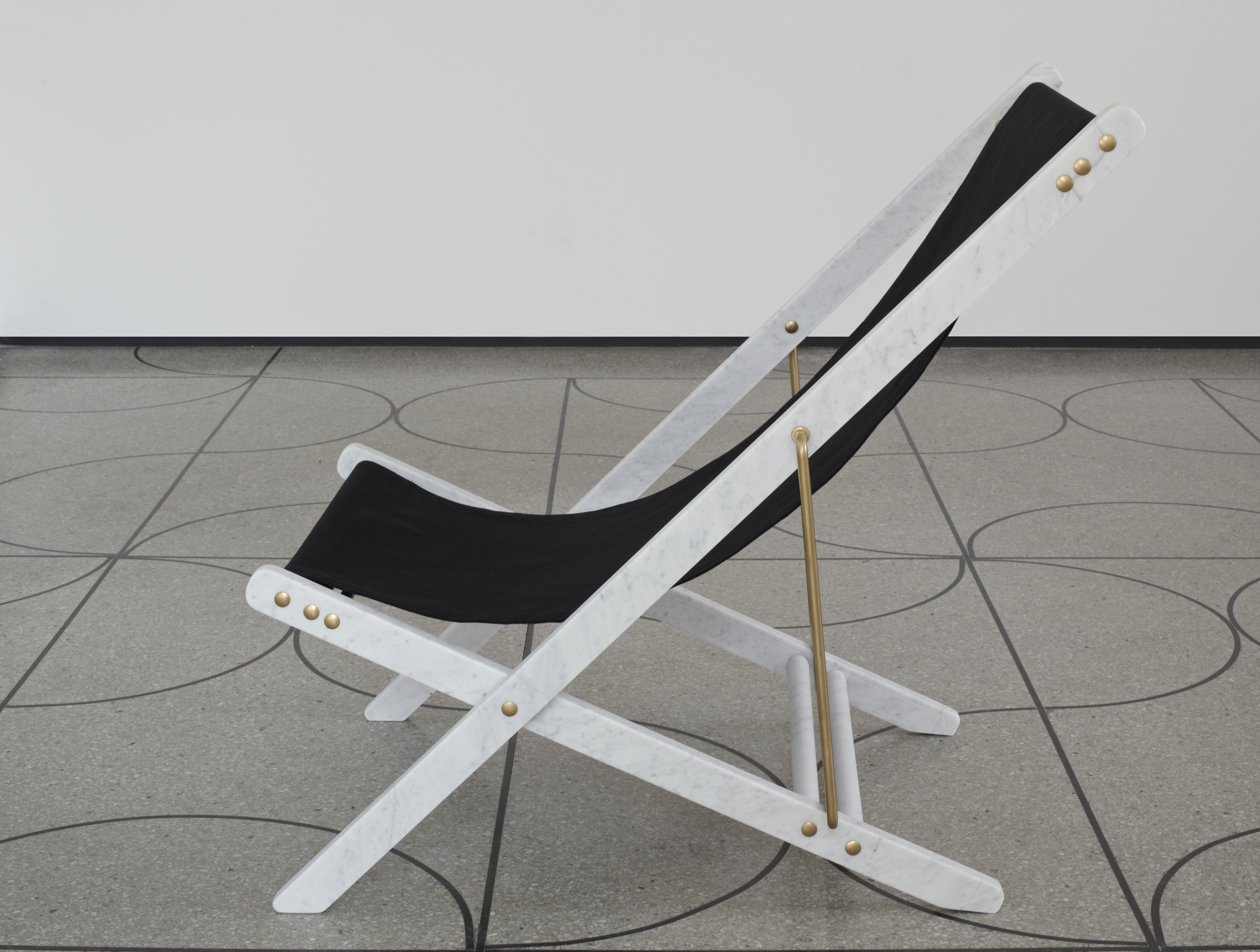 VT_Veronica Todisco_Adaptations_Deckchair 01.jpg