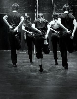 imag_agenda_jovens_bailarinos.jpg