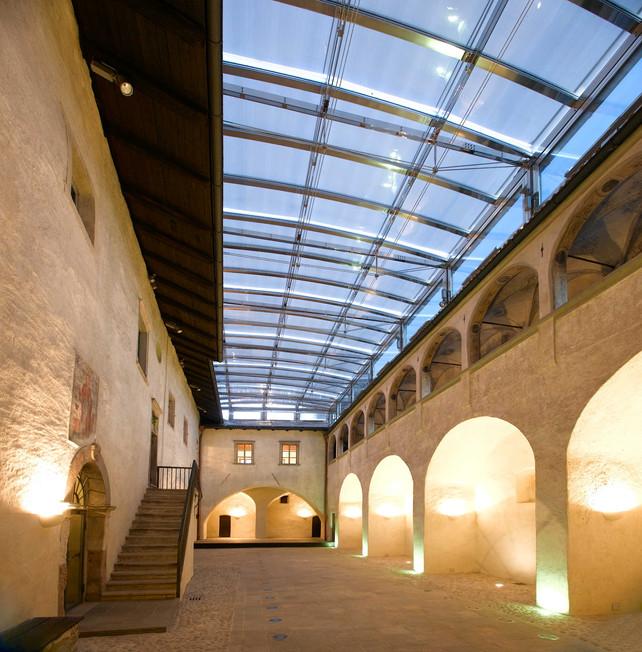 1_Innenhof 2.jpg