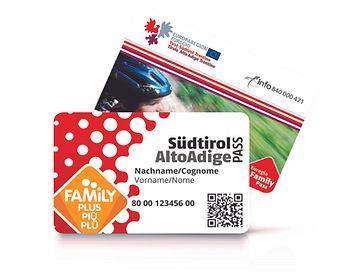 Familienpass_Südtirol_zwei_Karten.jpg