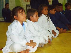 Copa de Juara Mais educação de Karatê reuniu pais, alunos e professores