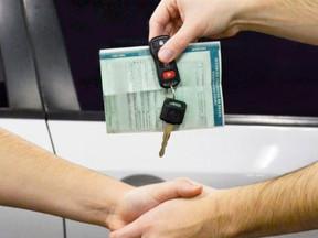 Não comunicar venda de veículo acarreta responsabilização solidária de infrações
