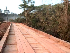 Prefeitura de Castanheira entrega nova ponte sobre o Rio Vermelho