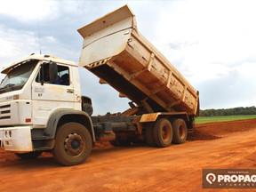 Secretaria de Obras de Itanhangá está trabalhando a todo vapor nas estradas vicinais do município
