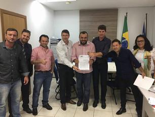 Prefeito Edu Pascoski e Vereadores Eleandro da Auto Escola e Guina assinam o Termo de Cooperação Téc