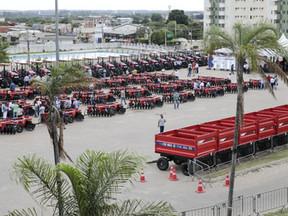 Investimento de R$ 9,9 milhões em maquinário e equipamentos contempla pequenos produtores de 83 muni