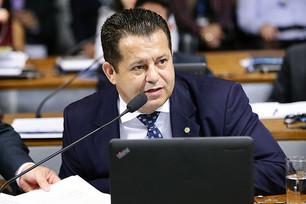 Unificar as eleições representa  economia para o Brasil, defende  deputado Valtenir