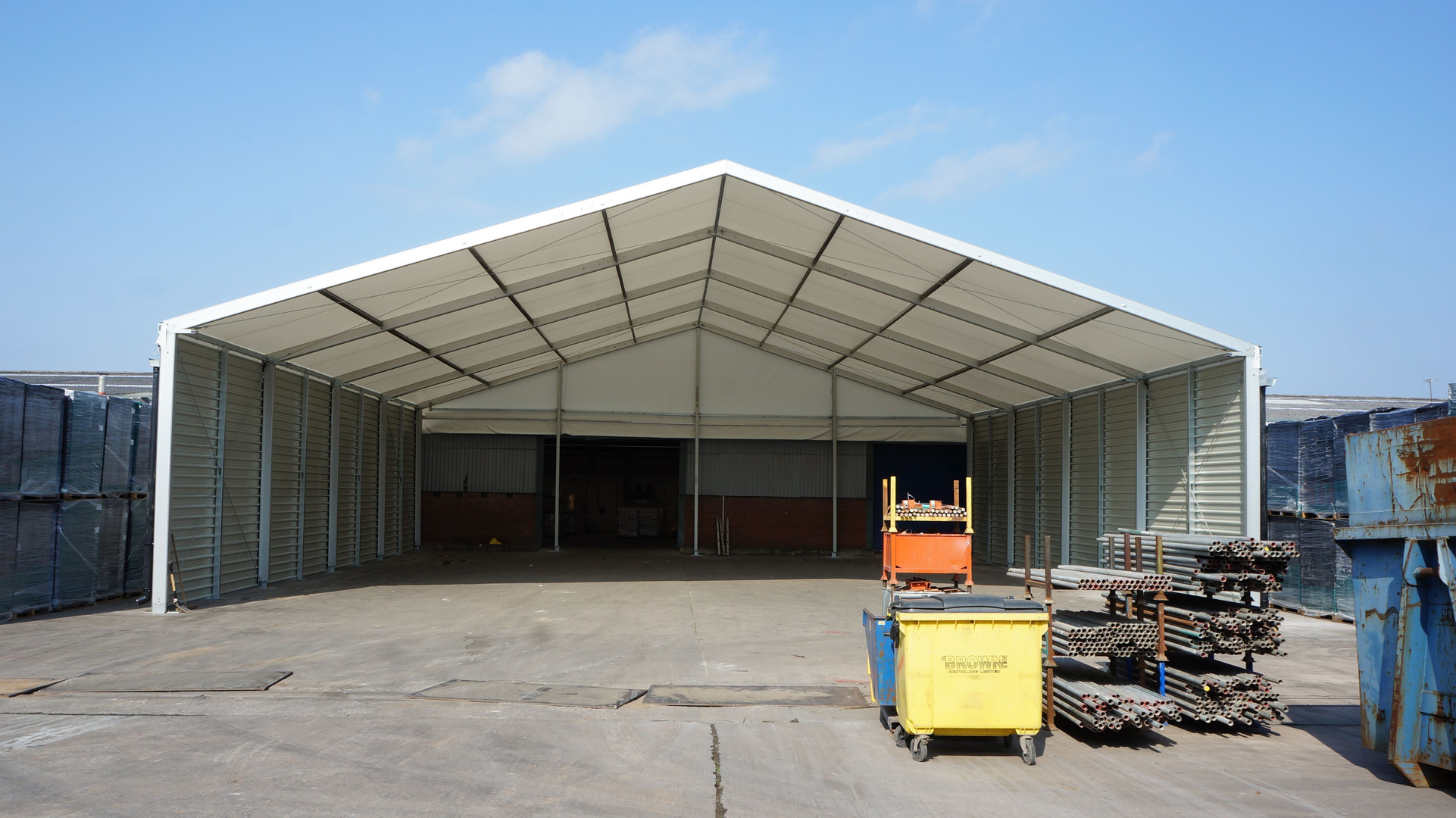 Loading bay canopy building