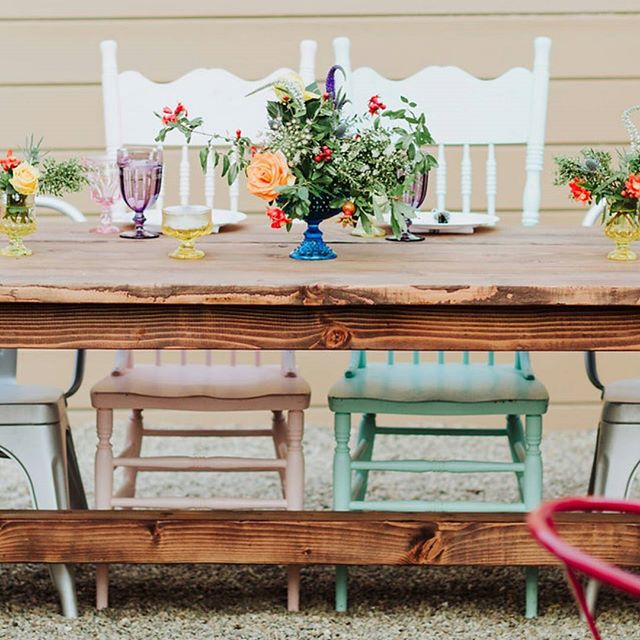 Farmhouse Sweetheart Table = $45