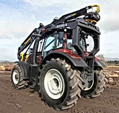 Kesla, forestry tractor, valtra guarding, tractor mounted crane, roof mounted loader