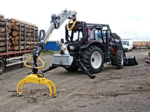 forestry guarding, roof mounted loader, forestry crane, tractor conversion, caledonian forestry, three point linkage, winch, Kesla, specialised forestry equipment, Full forestry guarding, grapple,