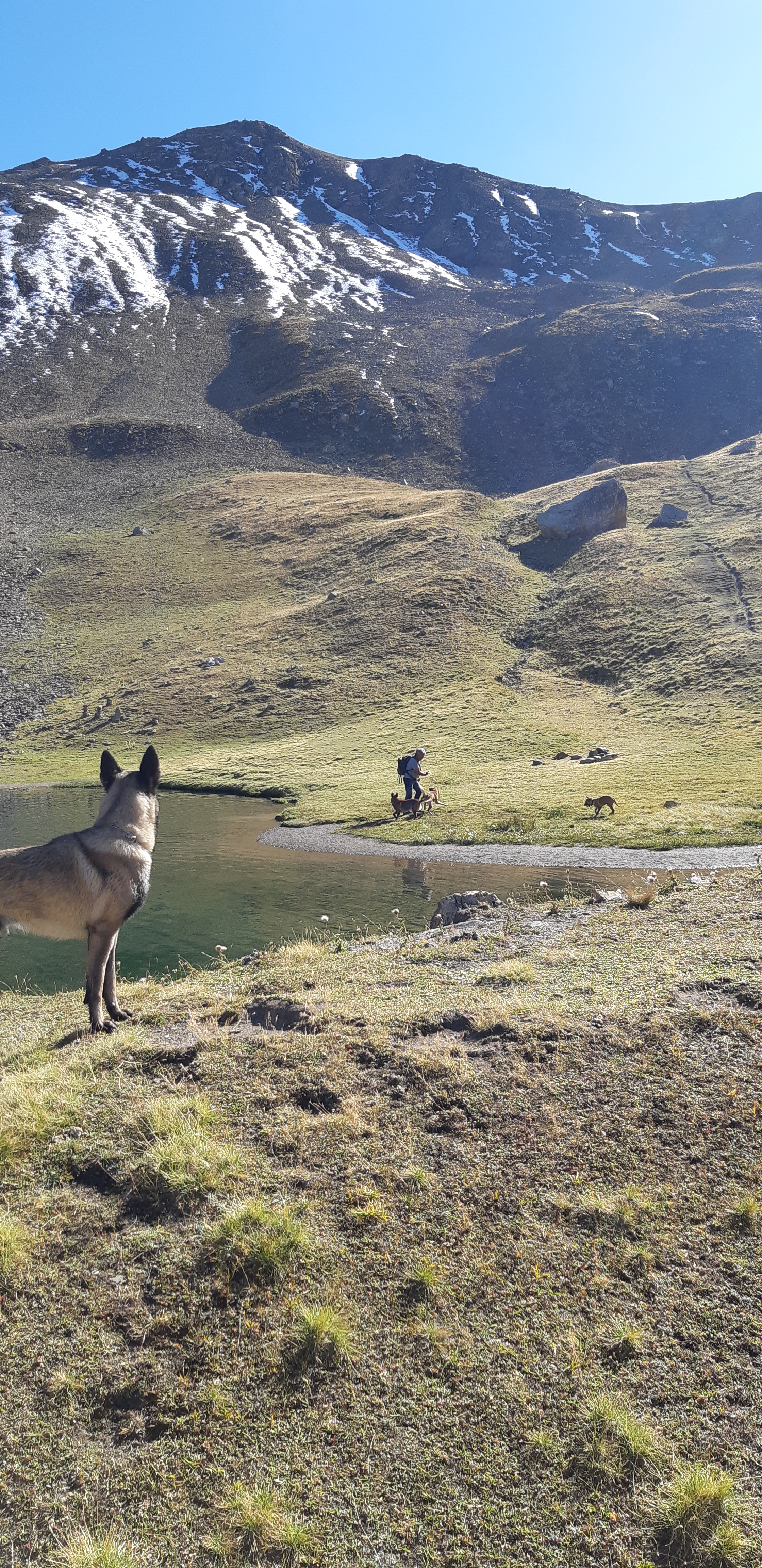 Lac à 2400 m d'altitude