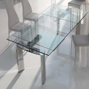 Wat is er mis met een glazen eettafel?