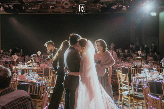 婚禮紀錄裡有著西裝力道與婚紗美貌