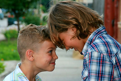 brothers-portrait-blond-beauty-2.jpg
