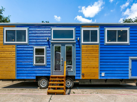 """Homesteader Deluxe 32'L x 10'W x 13'6""""H"""