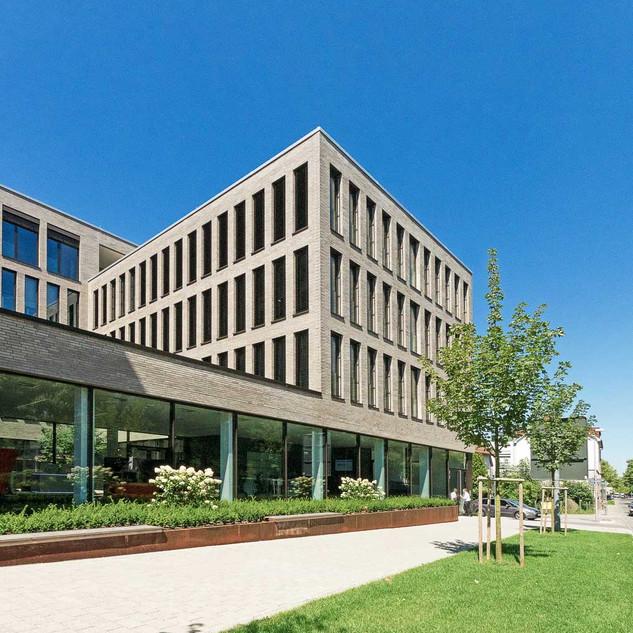 RV Bank Ravensbung-Weingarten   Fuchs Maucher Architekten   Waldkirch