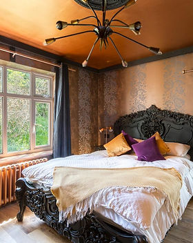 The Bling En-suite Bedroom 2.jpg