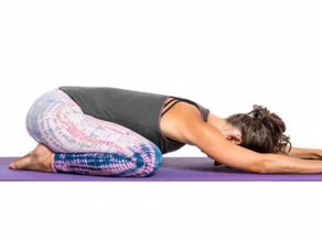 10 Easy Feel-good Yoga Stretches to Conquer Your Day