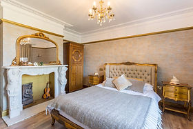 Goldie En suite bedroom 2.jpg