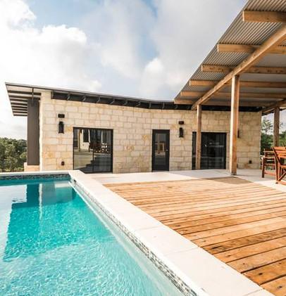 Detached 2-Bedroom Pool House