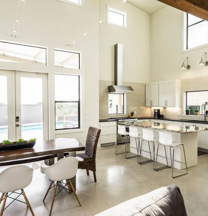 Kitchen & Dining overlooking Pool