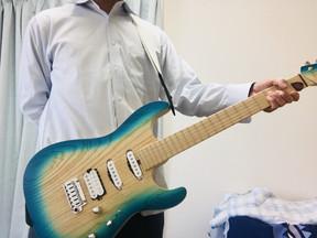 起立ギター