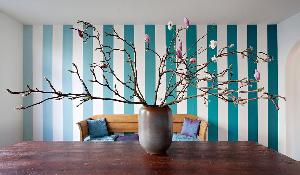 A special wall design with color fading stripes.