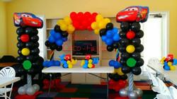 主題拱門+氣球柱x2 $1800