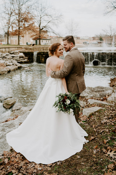 bride and groom downtown siloam