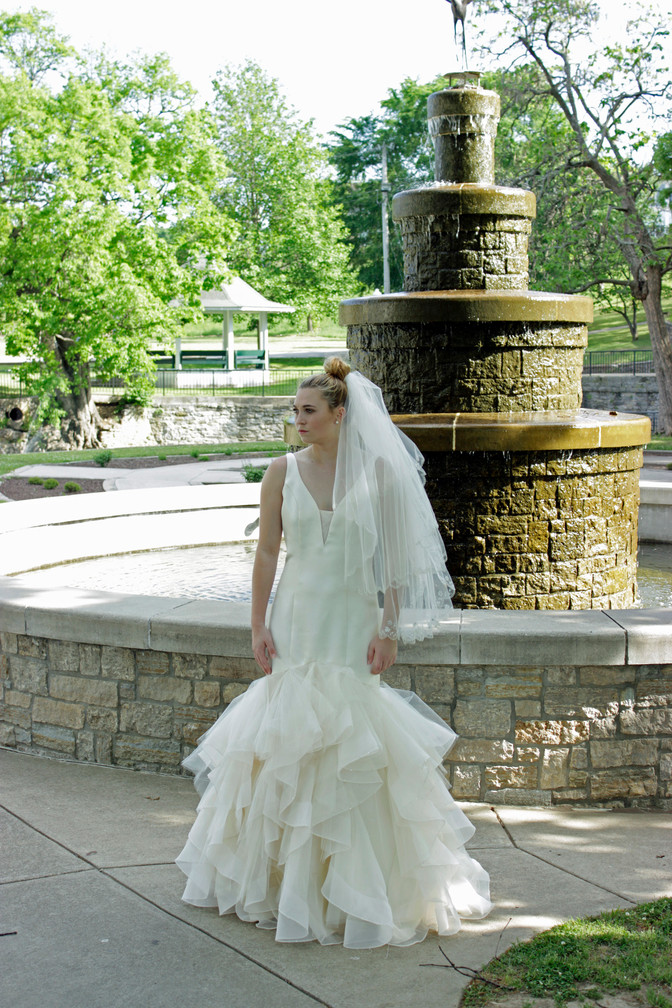 "Wedding Picture Ideas ""Around"" the Brick Ballroom in Siloam Springs, Arkansas?"