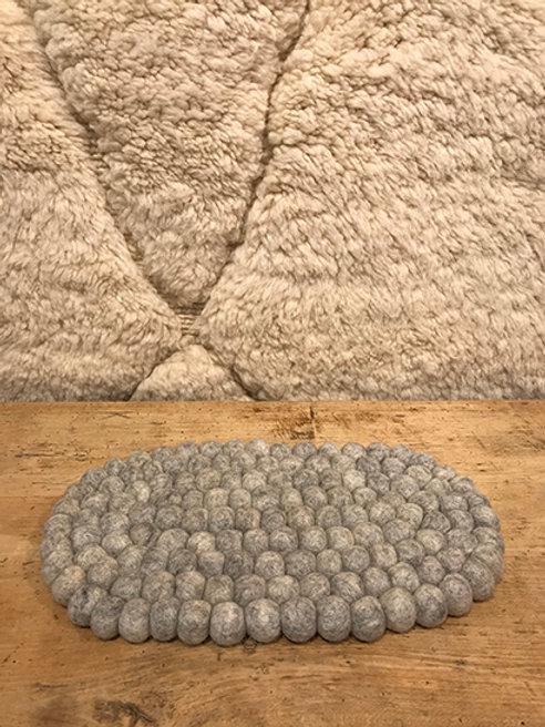 Trivet 100% wool oval