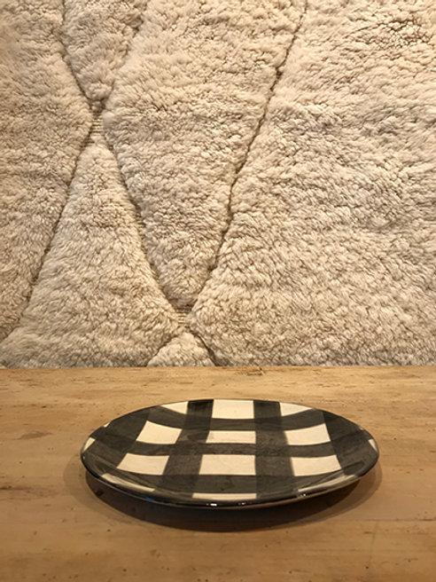 Side plate pattern black
