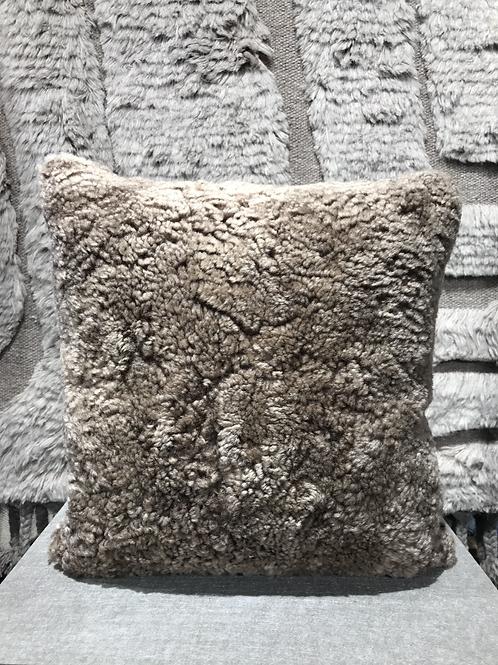 Cushion sheepskin 43x43cm