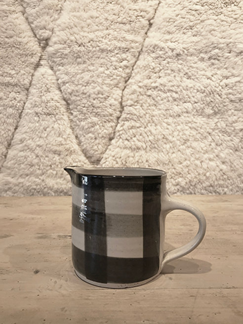 Jug small pattern black