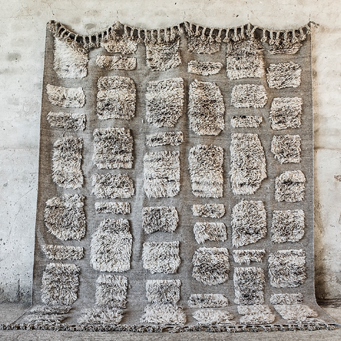 Hand-knotted wool carpet 290x350cm