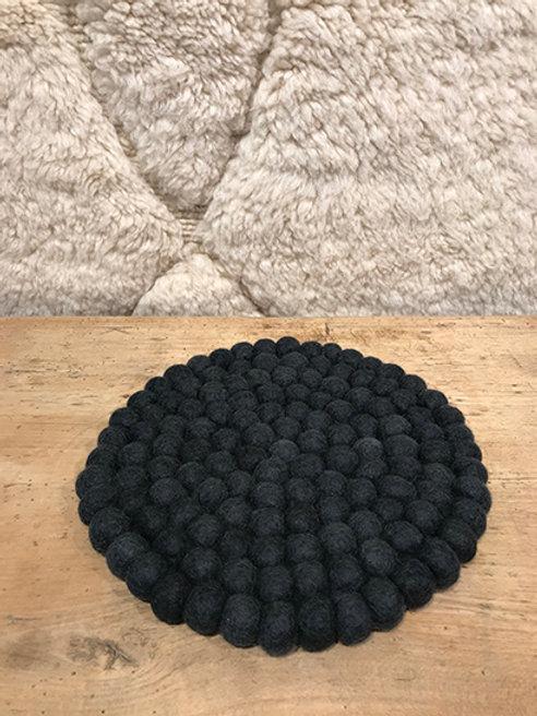 Trivet 100% wool round, medium