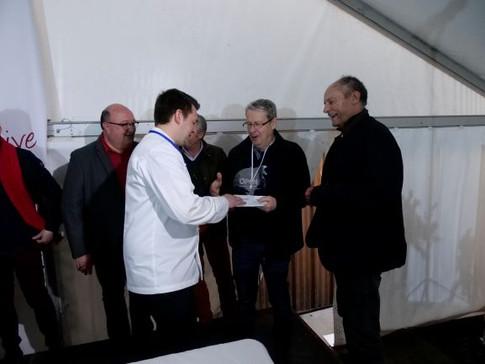 Story 2018 - remise prix classement general par le Chef low def.JPG