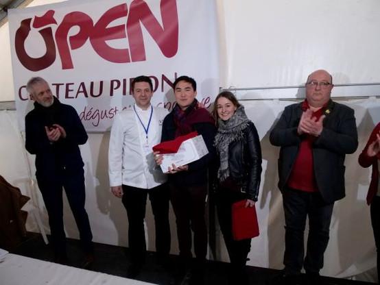 Story 2018 - remise prix jeunes par le Chef low def.JPG